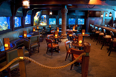 Dining and Drinks at The Wreck Bar